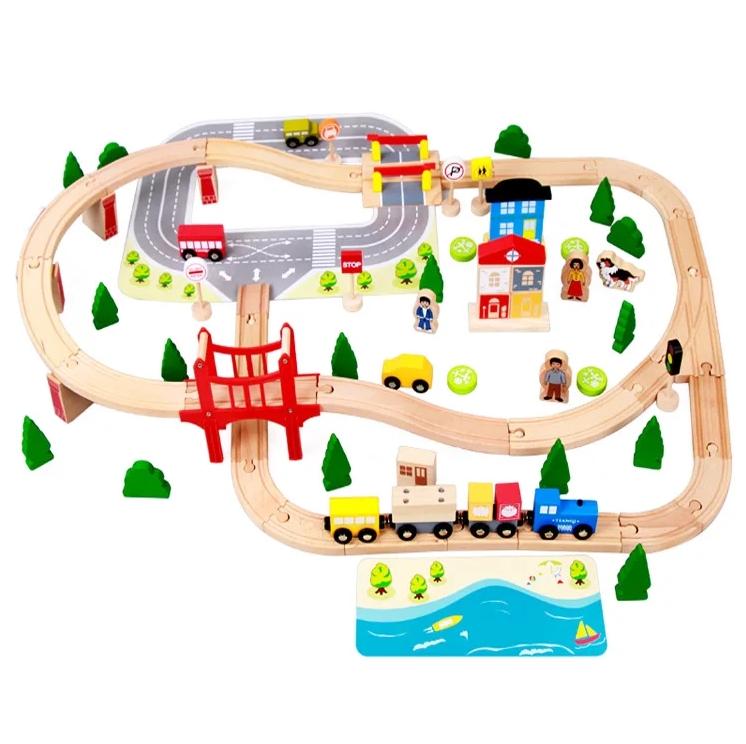 Деревянная железная дорога Acooltoy 92 деталей